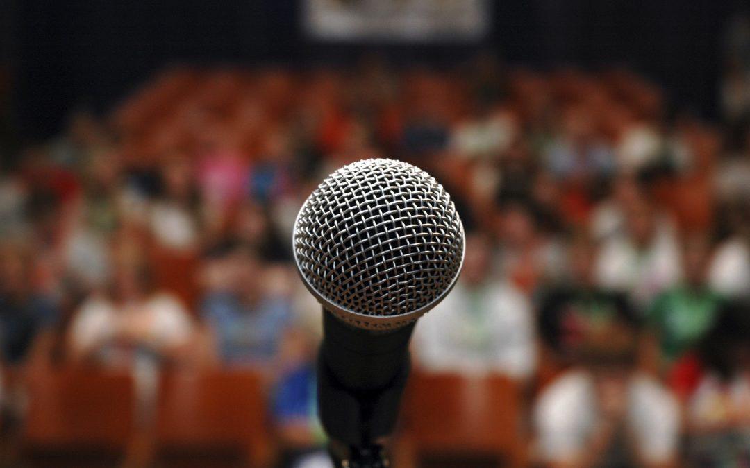 Oameni celebri cu frica de a vorbi în public