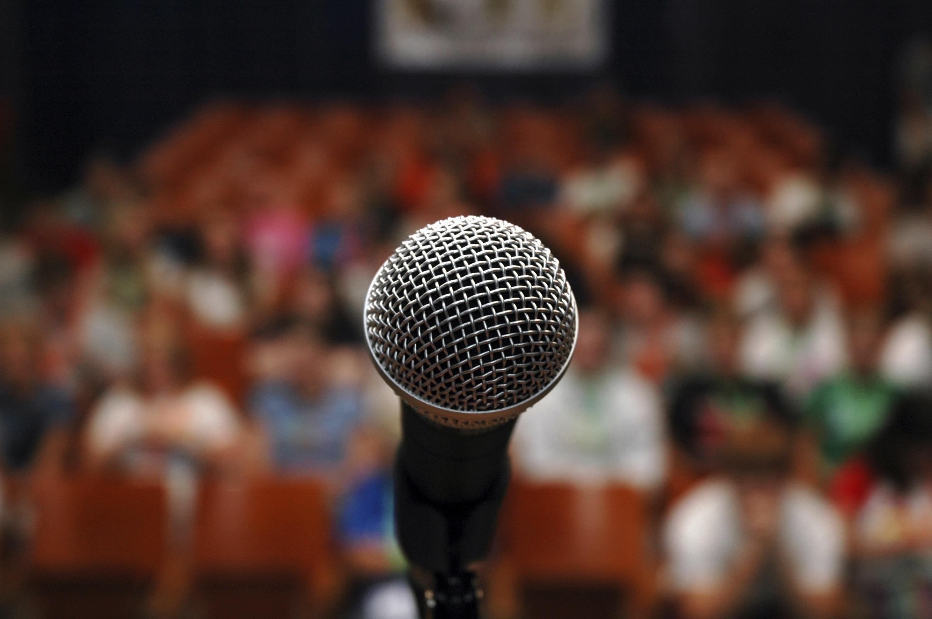 Frica de a vorbi în public